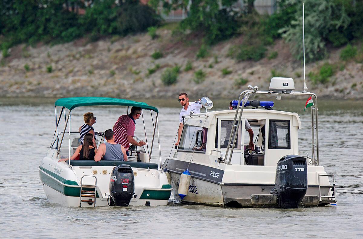 Dunai hajóbaleset – Szünet nélkül folytatják az áldozatok keresését