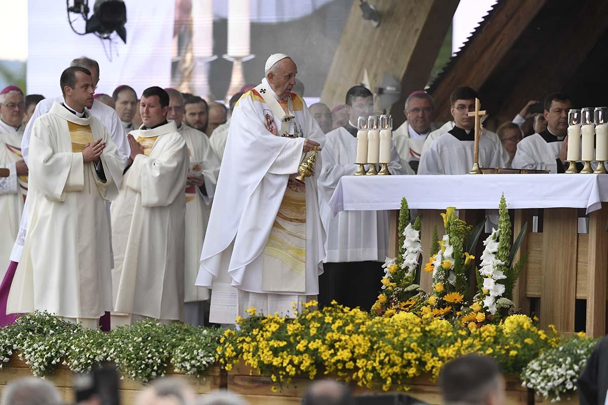 Ferenc pápa az együvé tartozás, a család és a gyökerekhez való ragaszkodás fontosságát hangsúlyozta Jászvásáron