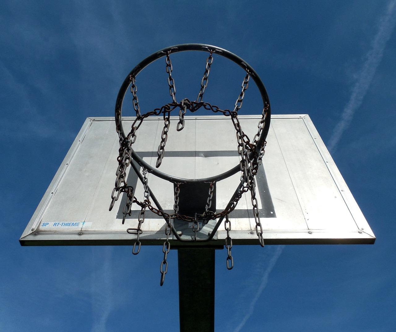 A streetball uralja a főteret szombaton