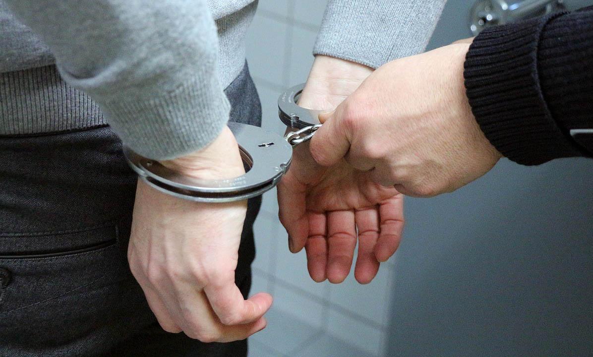 Kábítószerrel kereskedett a 17 éves fiú Békéscsabán, őrizetbe vették