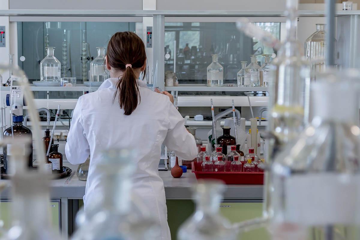 Koronavírus – Elkezdték vizsgálni a karanténba került magyar diákokat