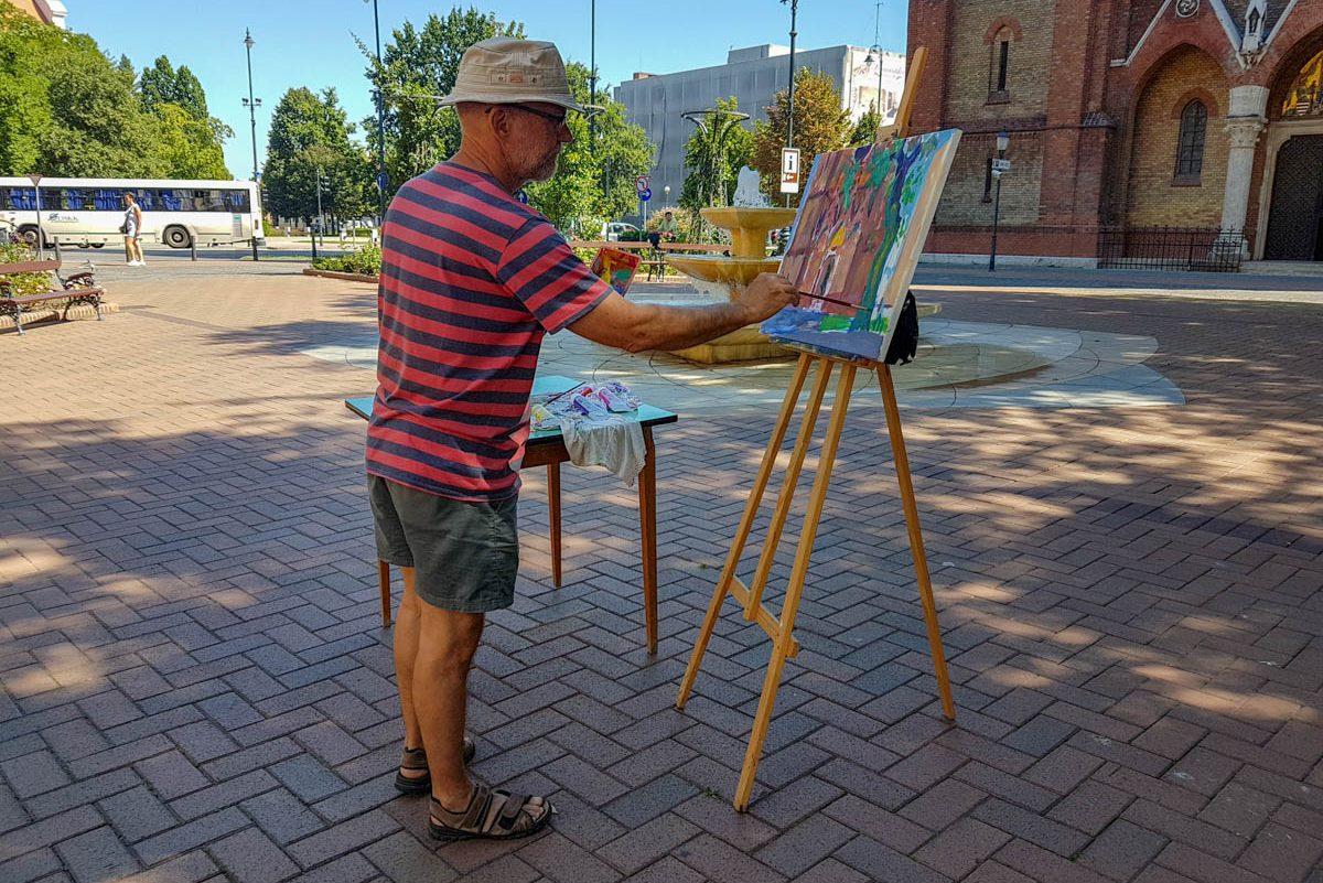 Festők vették birtokba Békéscsaba főterét