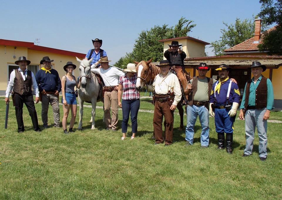 Cowboyok szállták meg Tótkomlóst