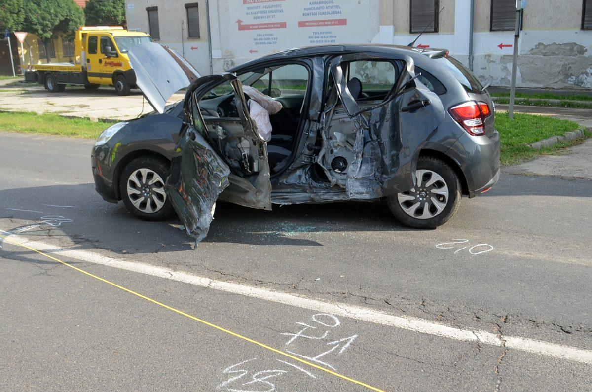 Súlyos sérüléssel járó baleset és ittas vezetés miatt intézkedtek