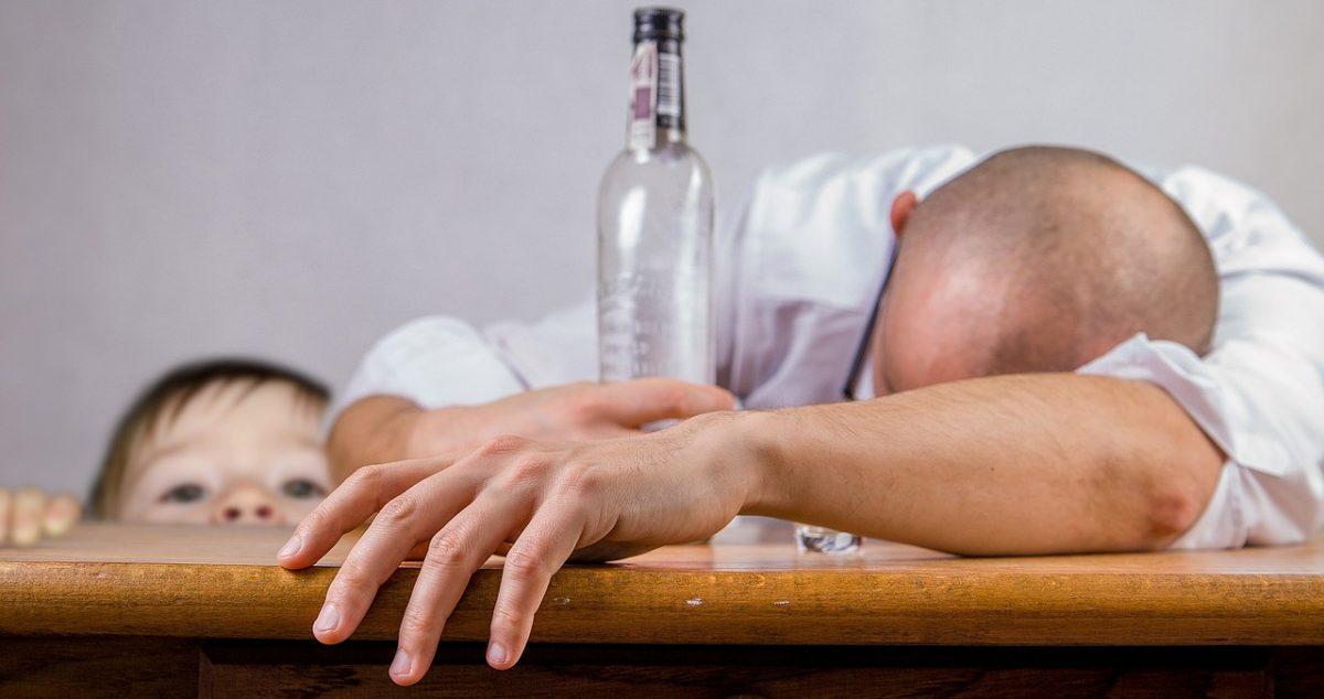 Toxikológus: Magyarországon nyolcszázezer ember alkoholbeteg