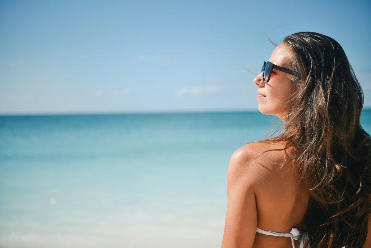 Ingyenes UV-szűréskampányt indított a látszerészszövetség