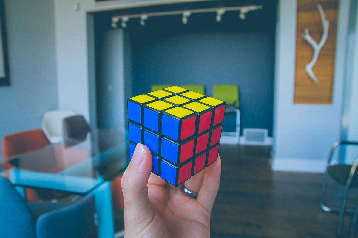 Alig több mint egy másodperc alatt forgatja ki a Rubik-kockát a mesterséges intelligencia
