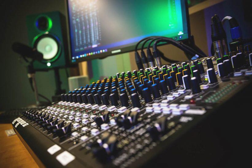 studio, rádió 1