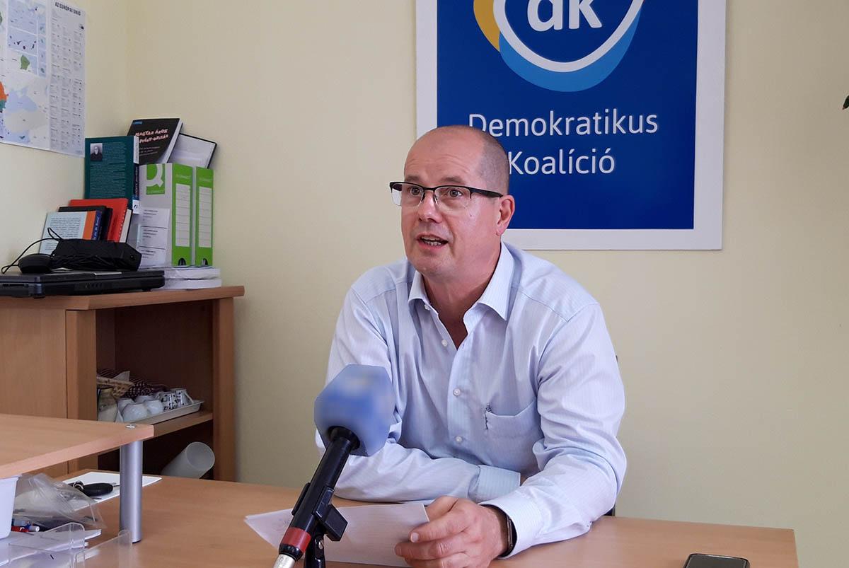 Dancsó Tibor rágalmazásért feljelentette a DK-ból kilépett Kaposi Lászlót