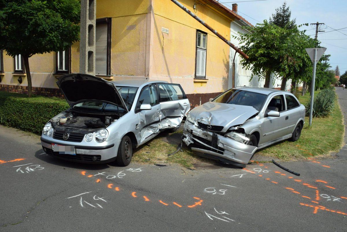 Súlyosan megsérült a gyulai baleset egyik sofőrje
