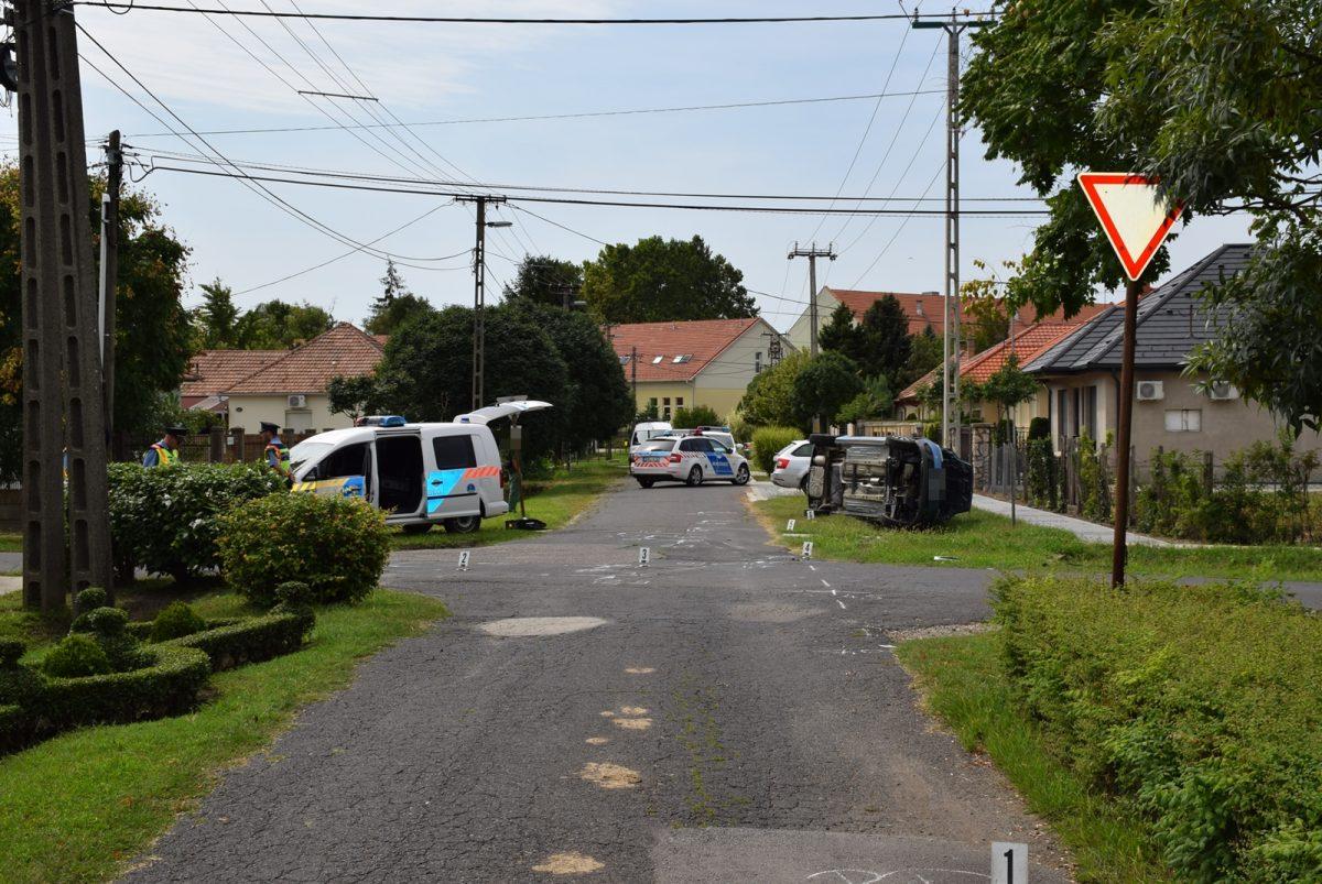 Két közlekedési baleset, három könnyű sérült