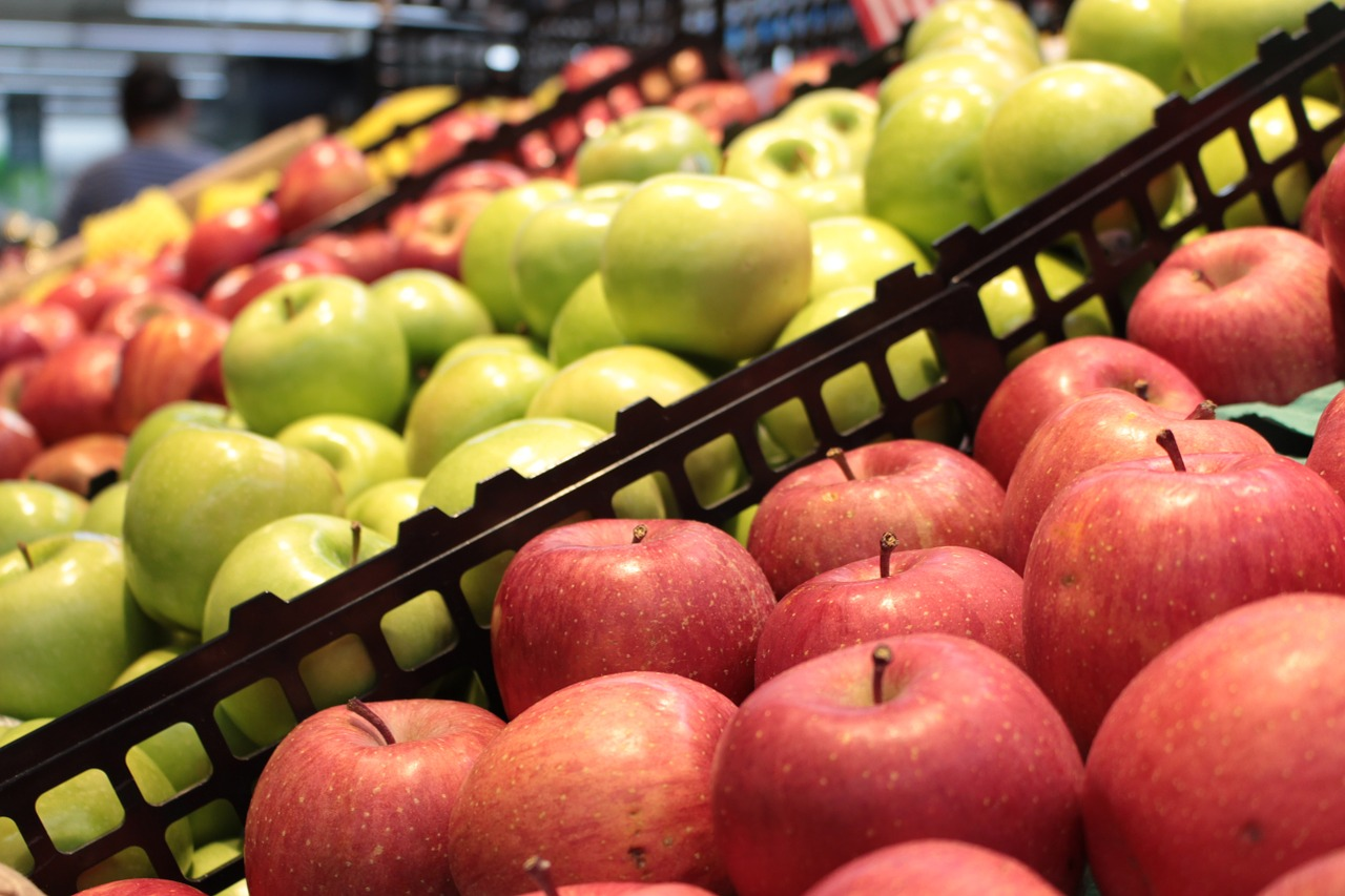 Jelentősen csökkent az angliai szupermarketekben eladott nejlonzacskók száma