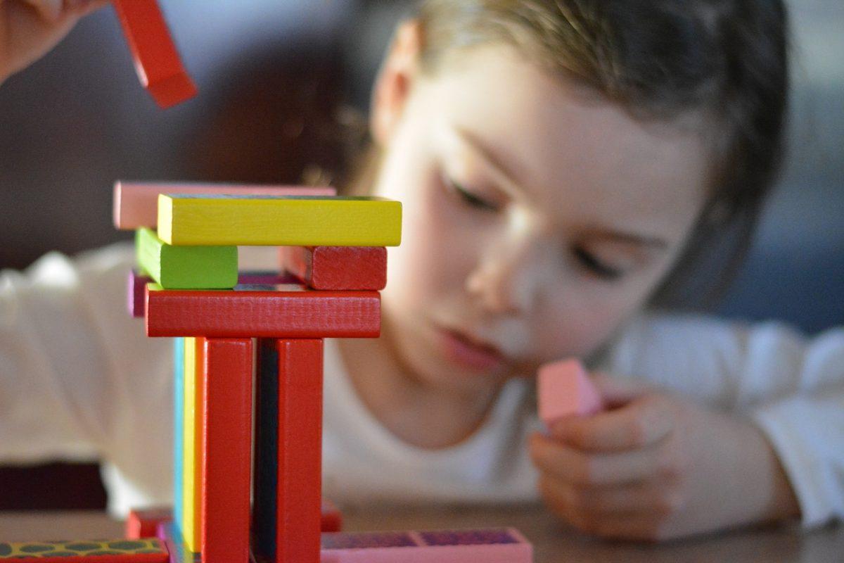 Egyszerűbb és gyorsabb lesz a gyermekek örökbefogadása