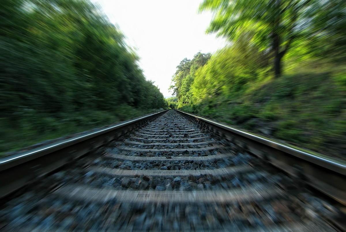 Gázolás miatt késnek a vonatok a miskolci és a békéscsabai vonalon