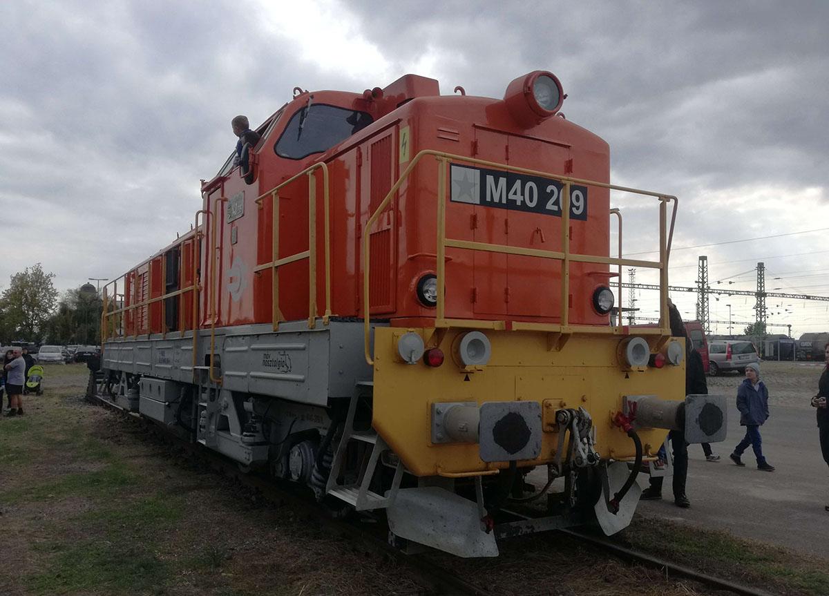 mozdony 209