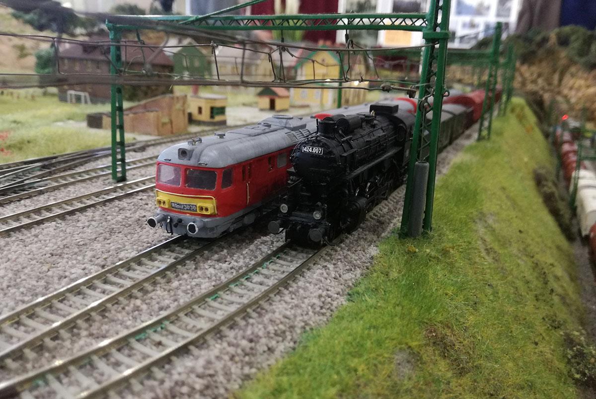 Elstartolt a XV. Nemzetközi Vasútmodell Kiállítás és Mozdonyparádé Békéscsabán
