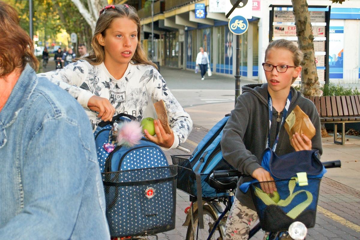Bringás reggelivel indult a Mobilitási Hét Békéscsabán