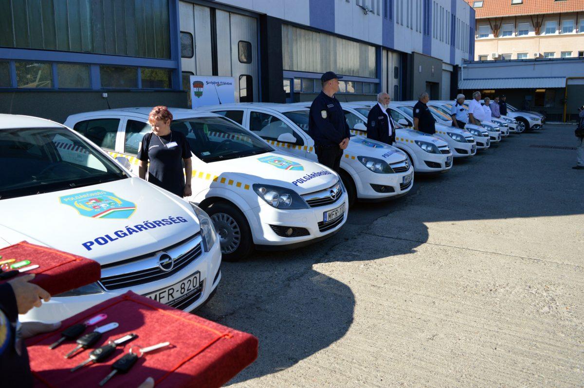 Személygépkocsikat kapott a polgárőrség