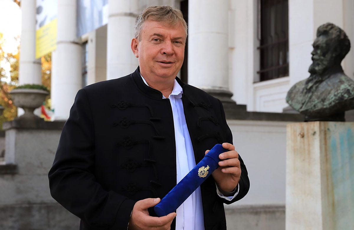 Az önkormányzat kitüntetését vehette át Ando György