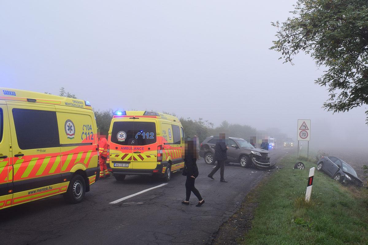 Négy baleset, három könnyű, két súlyos sérült
