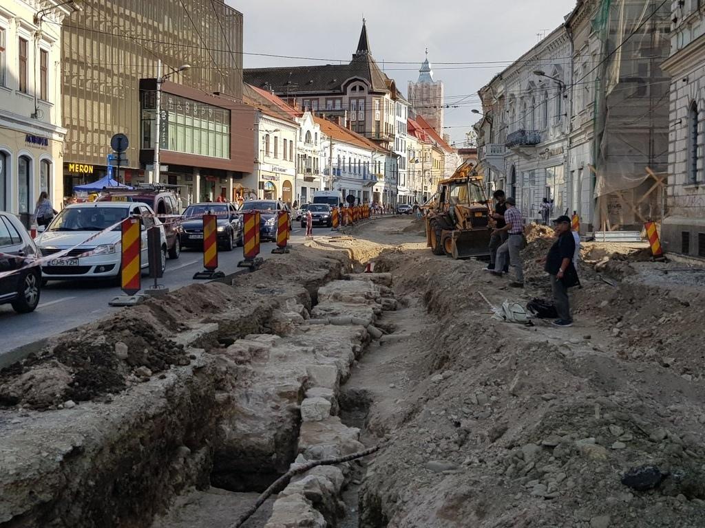 Kolozsvár egyik középkori városkapujának az alapját találták meg egy útfelújítás során
