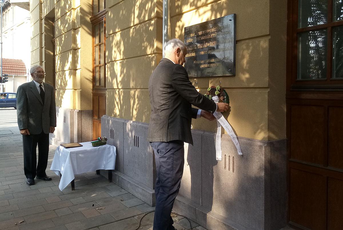 Helyreállították a kisgazda politikusok emléktábláját Békéscsabán