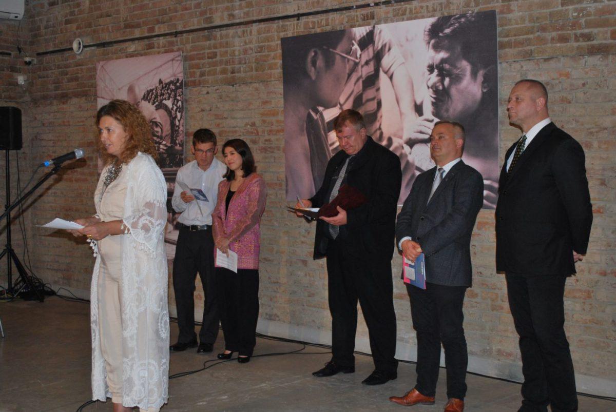 Karnics Tibor fotóiból nyílt kiállítás a Munkácsy Múzeumban