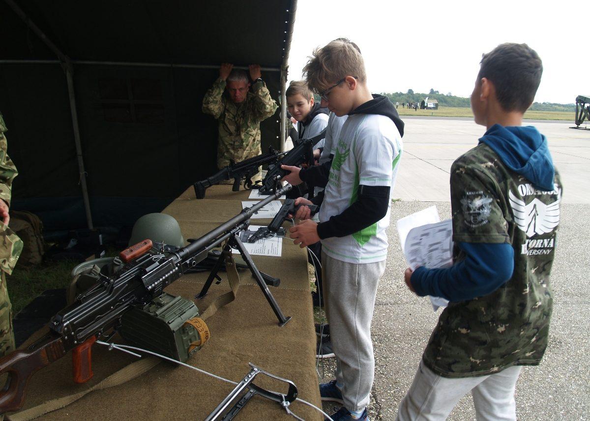 Fiatalok mérhették össze tudásukat a 18. Honvédelmi Haditornán