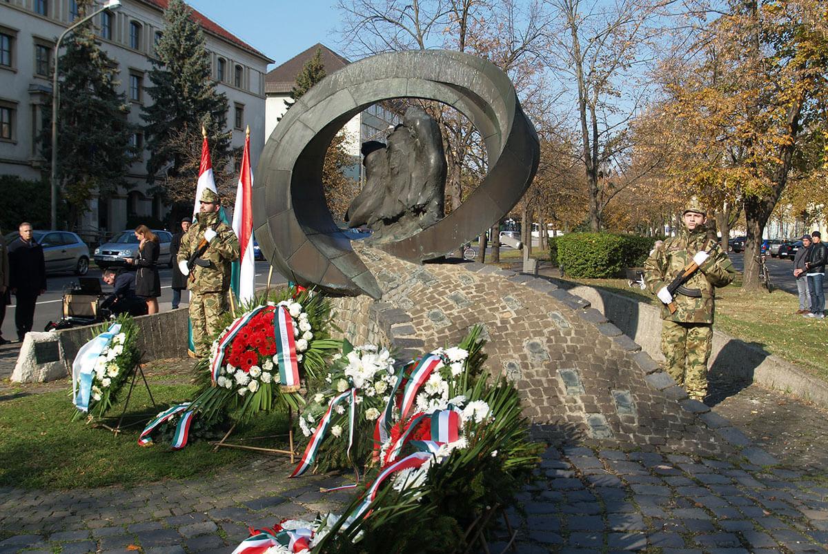 A Hősök és Mártírok Emléknapja alkalmából tartottak megemlékezést