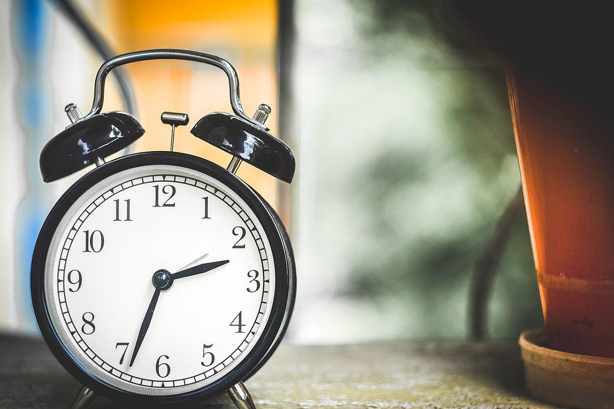 Vasárnap óraátállítás – Egy órával előre kell állítani az órákat
