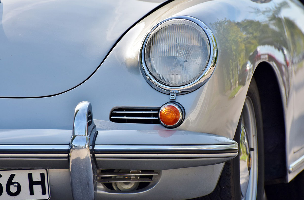 Látni és látszani – díjmentesen lehet átvizsgáltatni a járművek világításait