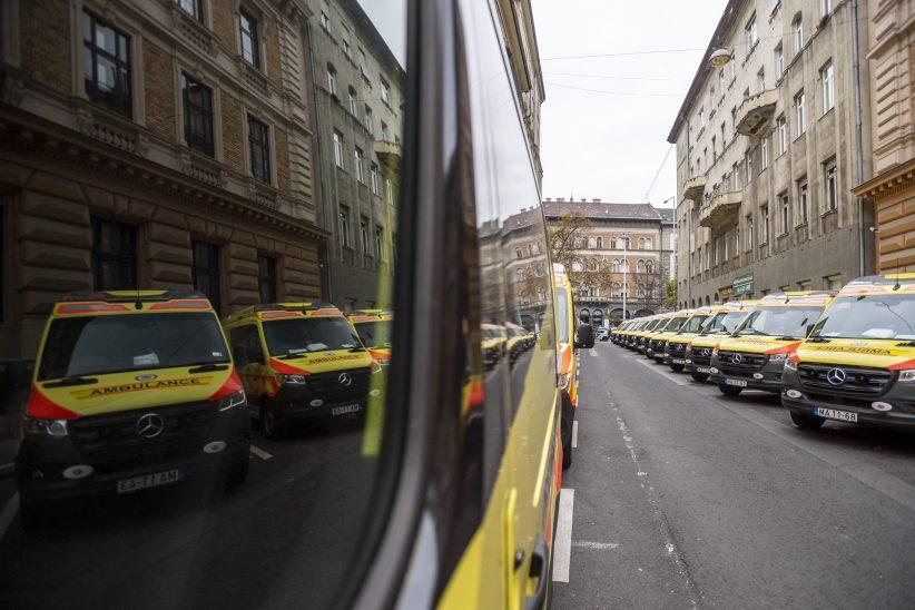 mentőautók