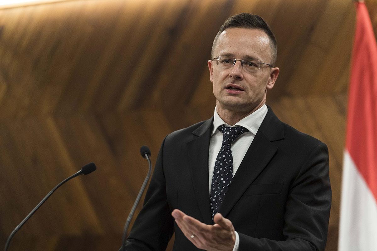 Szijjártó: Magyarország 2024-ben űrhajóst kíván küldeni az űrbe