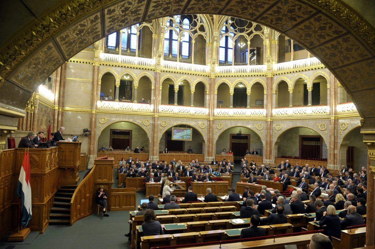 Elfogadták a szakképzés átalakításáról szóló új törvényt