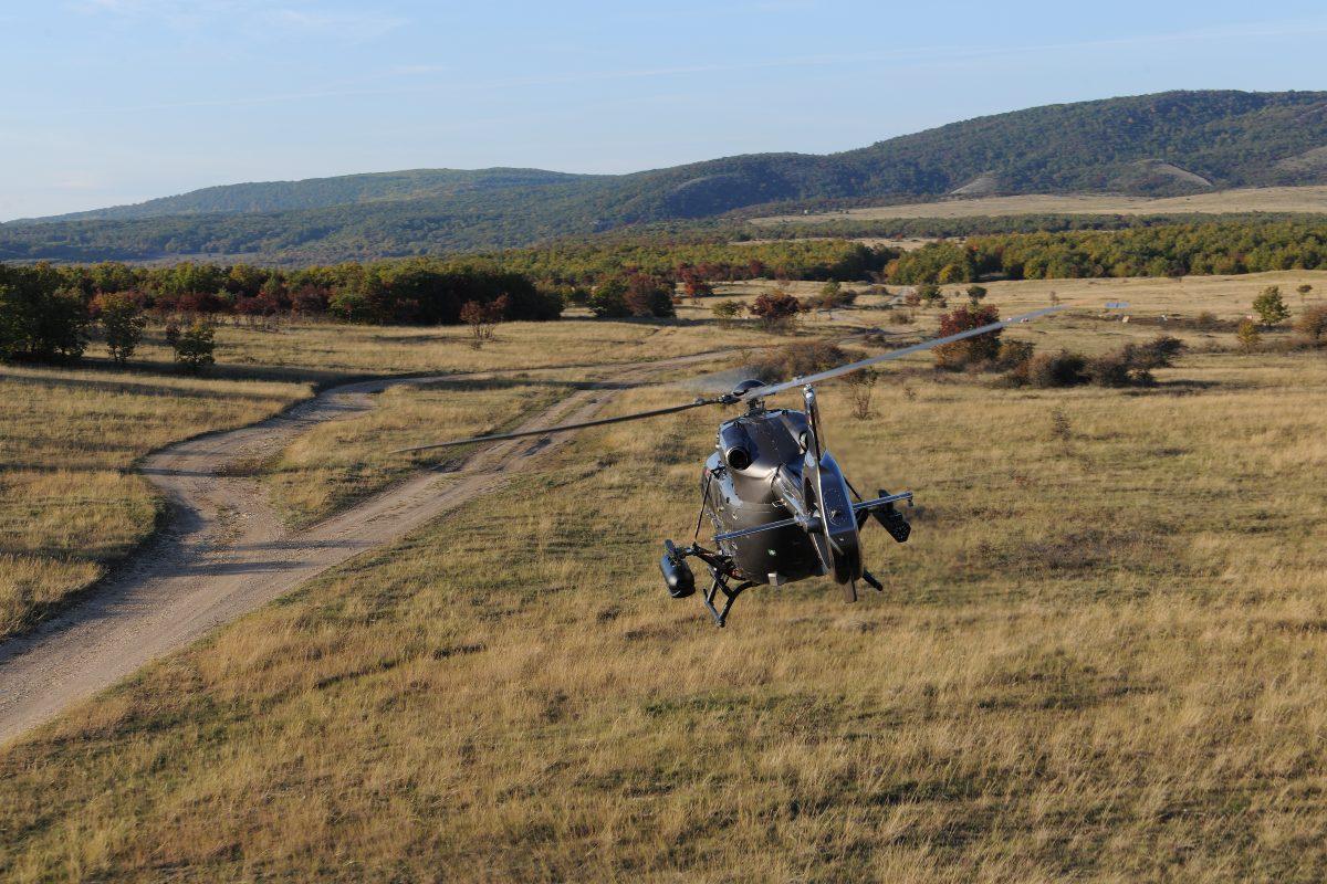 Már a szolnoki bázison vannak a honvédség első új Airbus helikopterei