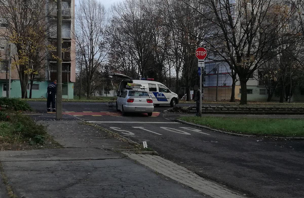 Személyautó ütközött kerékpárossal Békéscsabán