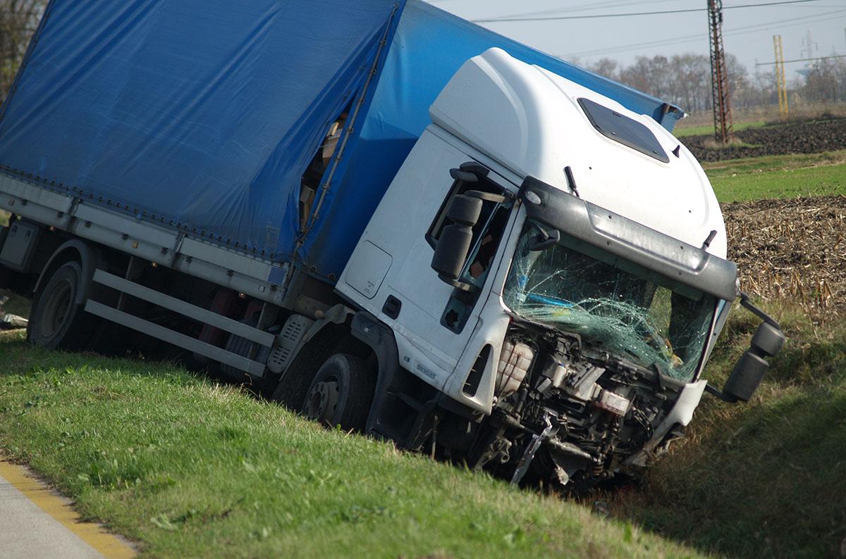Halálos baleset történt Békéscsaba és Kondoros között, a 44-es főúton