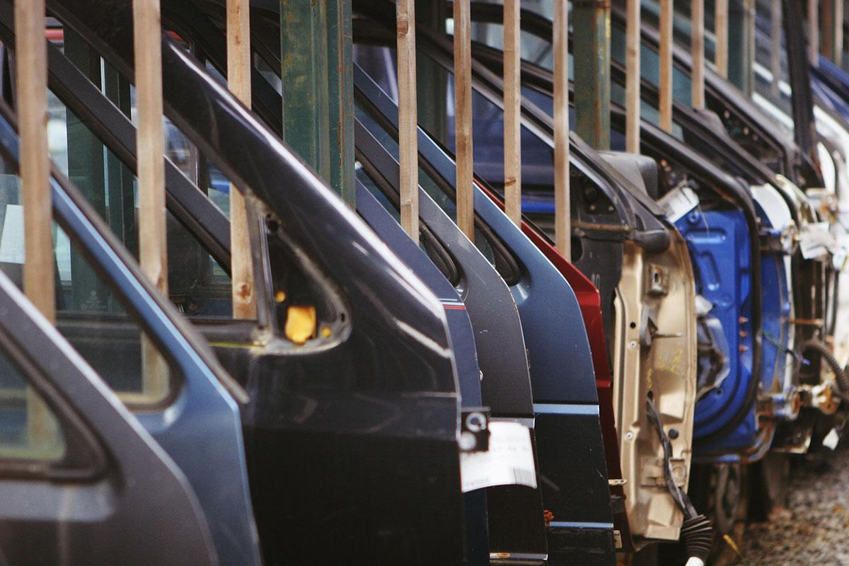 Brit autógyártók: kiüti a brit autóipart, ha nem lesz kereskedelmi megállapodás az EU-val