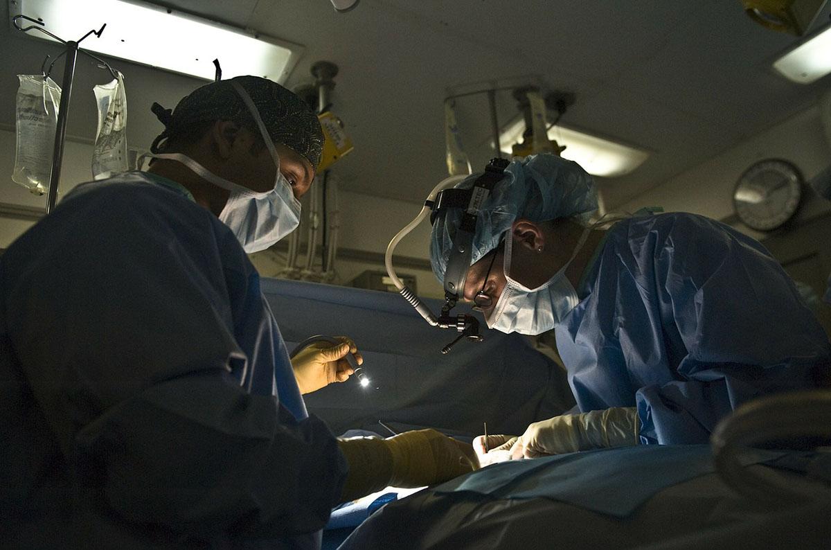Több száz műtét marad el Debrecenben, Pásztón felfüggesztették az egynapos sebészeti ellátást