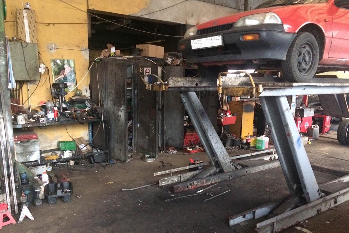 Illegális diagnosztikai eszközöket foglaltak le egy Békés megyei autószerelő műhelyben