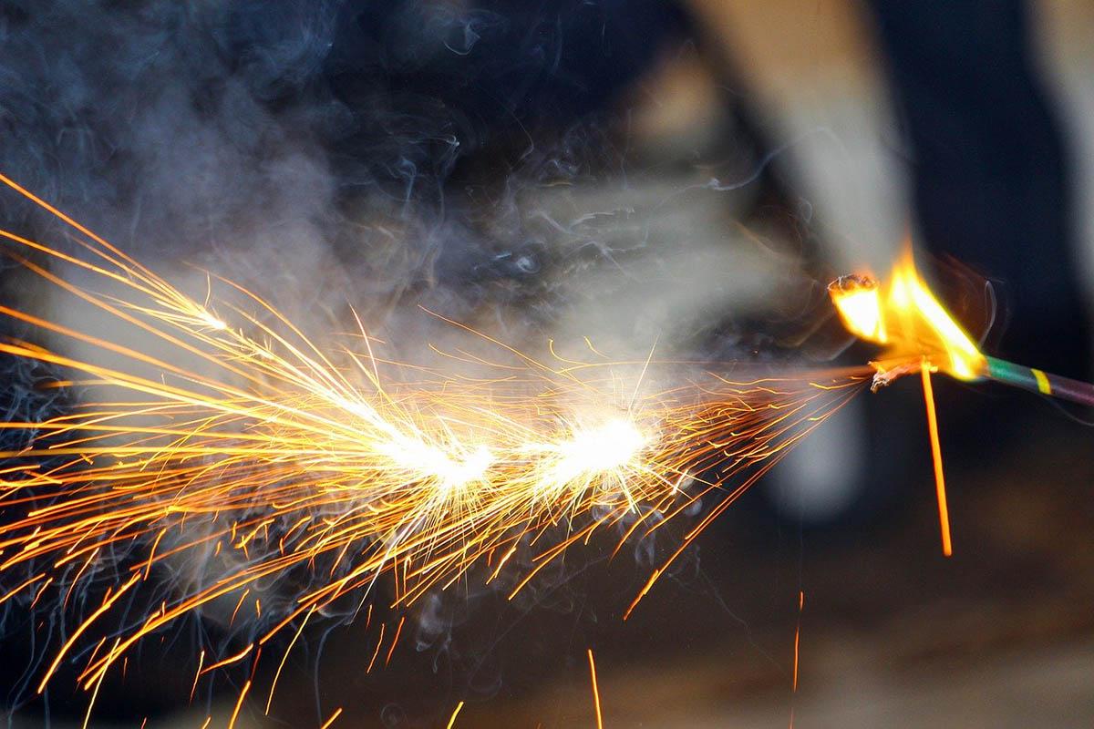 OKF: a mostani szilveszteren is okoztak tüzet a tűzijátékok