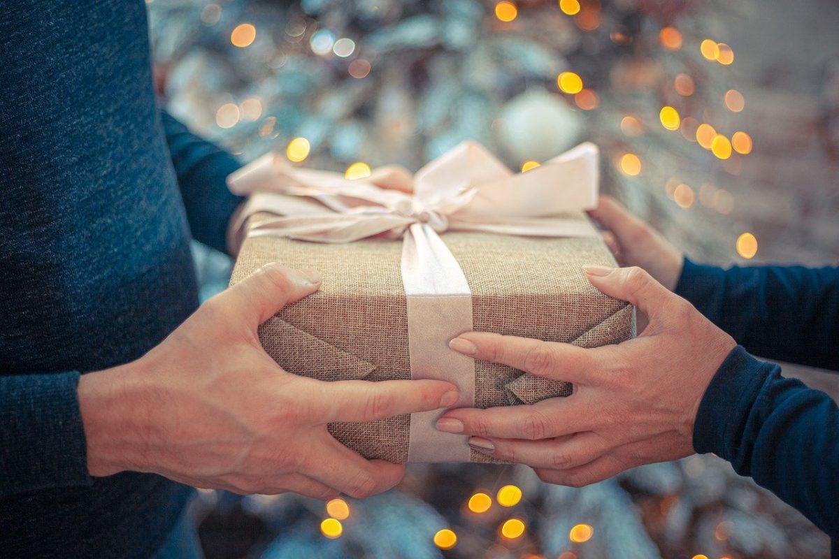 Ünnepek: Erős karácsonyi forgalomra számítanak az áruházláncok