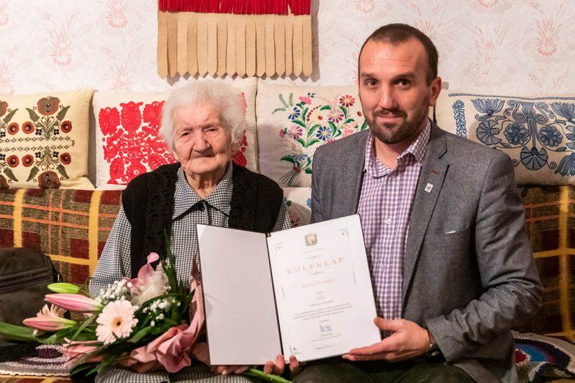 100 éves