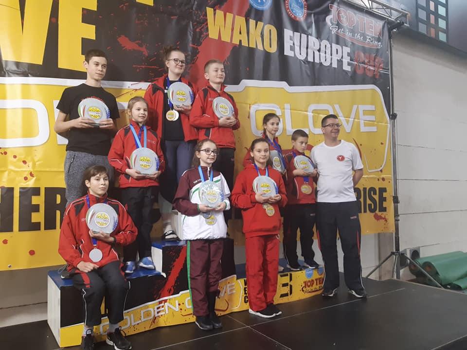 Jó csabai kick-box kezdés az olasz Európa-kupán
