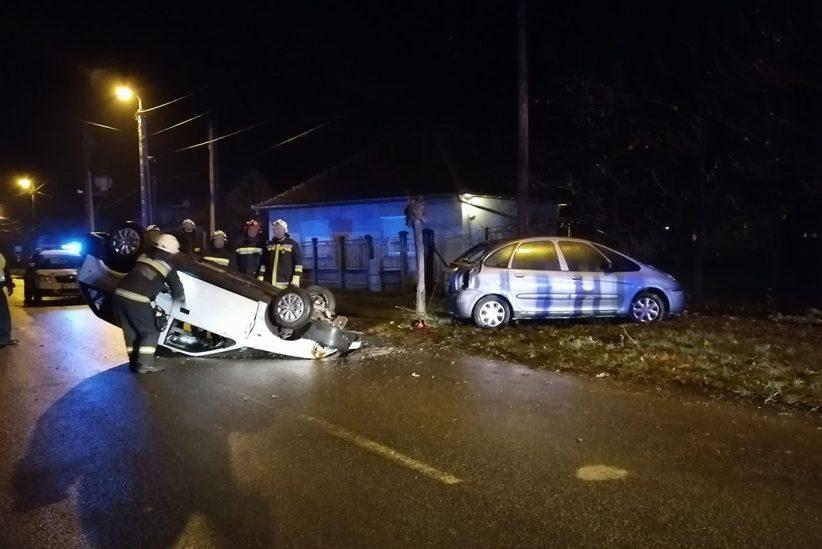 felborult autó, Gyula, baleset