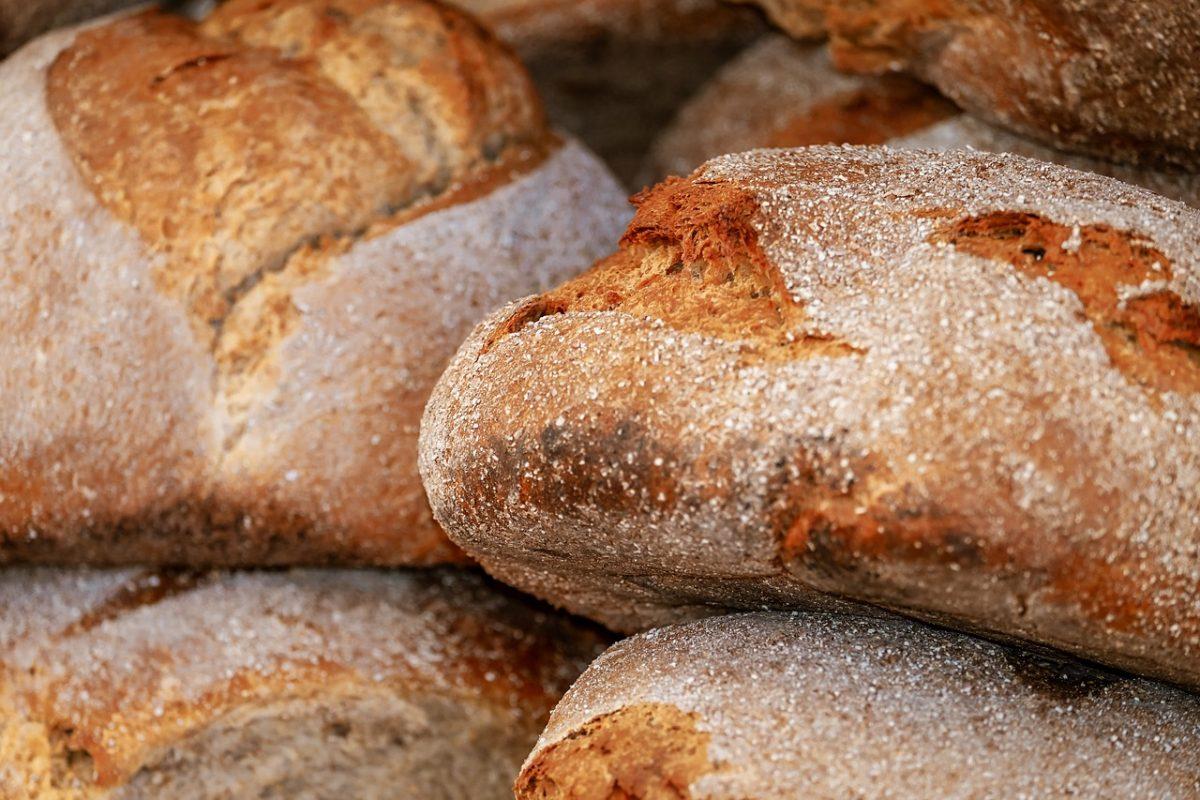Kenyérdrágulás: Kényszerűségből emelnek árat a pékek