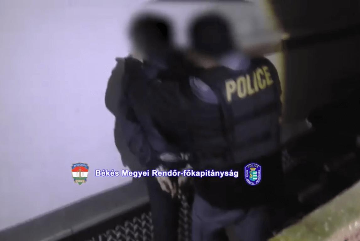 Kábítószer-kereskedelem gyanúja miatt őrizetbe vettek egy férfit Békés megyében