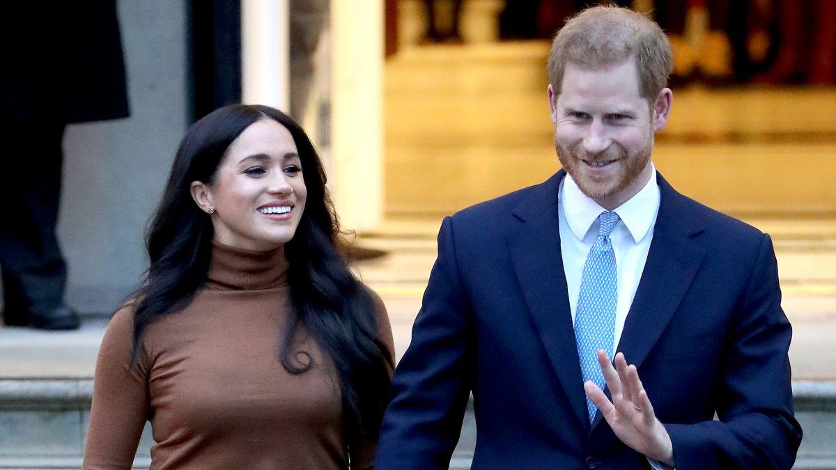 Harry herceg visszalép a királyi család magas rangú tagjaként betöltött szerepétől