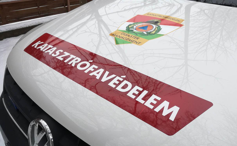 Felborult egy autó Csanádapácán