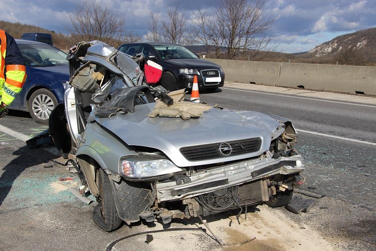 Halálos baleset történt az M1-es autópálya Budapest felé vezető oldalán
